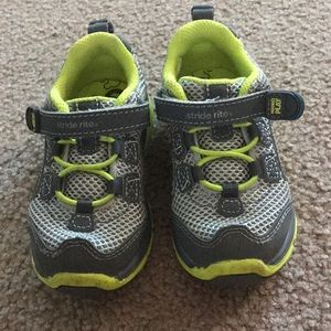 Stride Rite Made to Play toddler sneakers